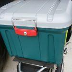 バイクにホムセン箱を固定&キャンプ道具の積む裏技。